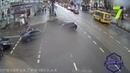 Такси и электромобиль столкнулись в центре Одессы: есть пострадавшие