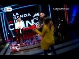 Fiorella Mendez bailando en el set de la Banda