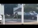 Unna Fröndenberg Schwarzafrikanischer Neger Asylant terrorisiert Mitarbeiter eines Autohauses