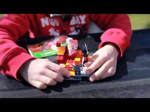 Черный скелет, Зомби и остров с ловушкой Lego Minecraft 21139