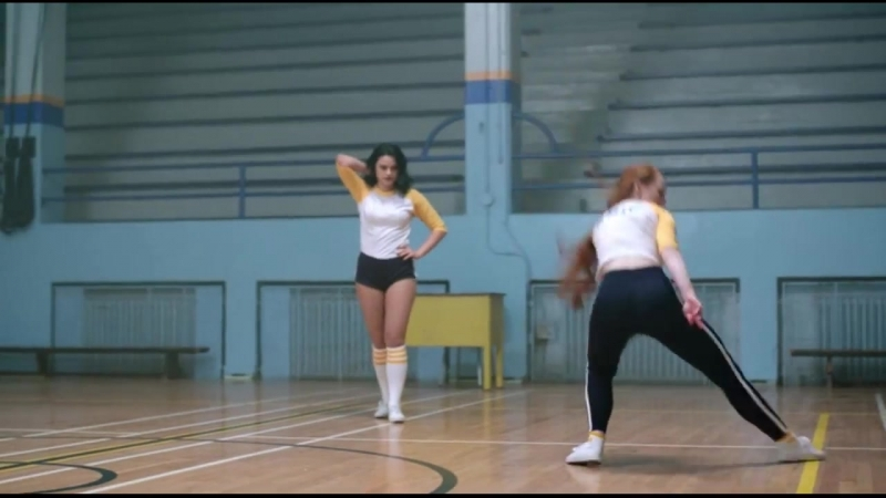 Шерил и Вероника_ Танцевальный батл