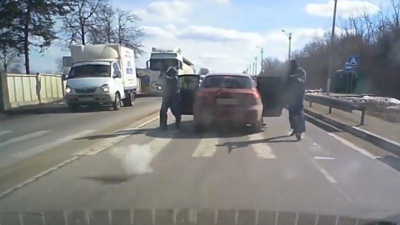 Бандиты расстреляли автомобиль в Екатериновке