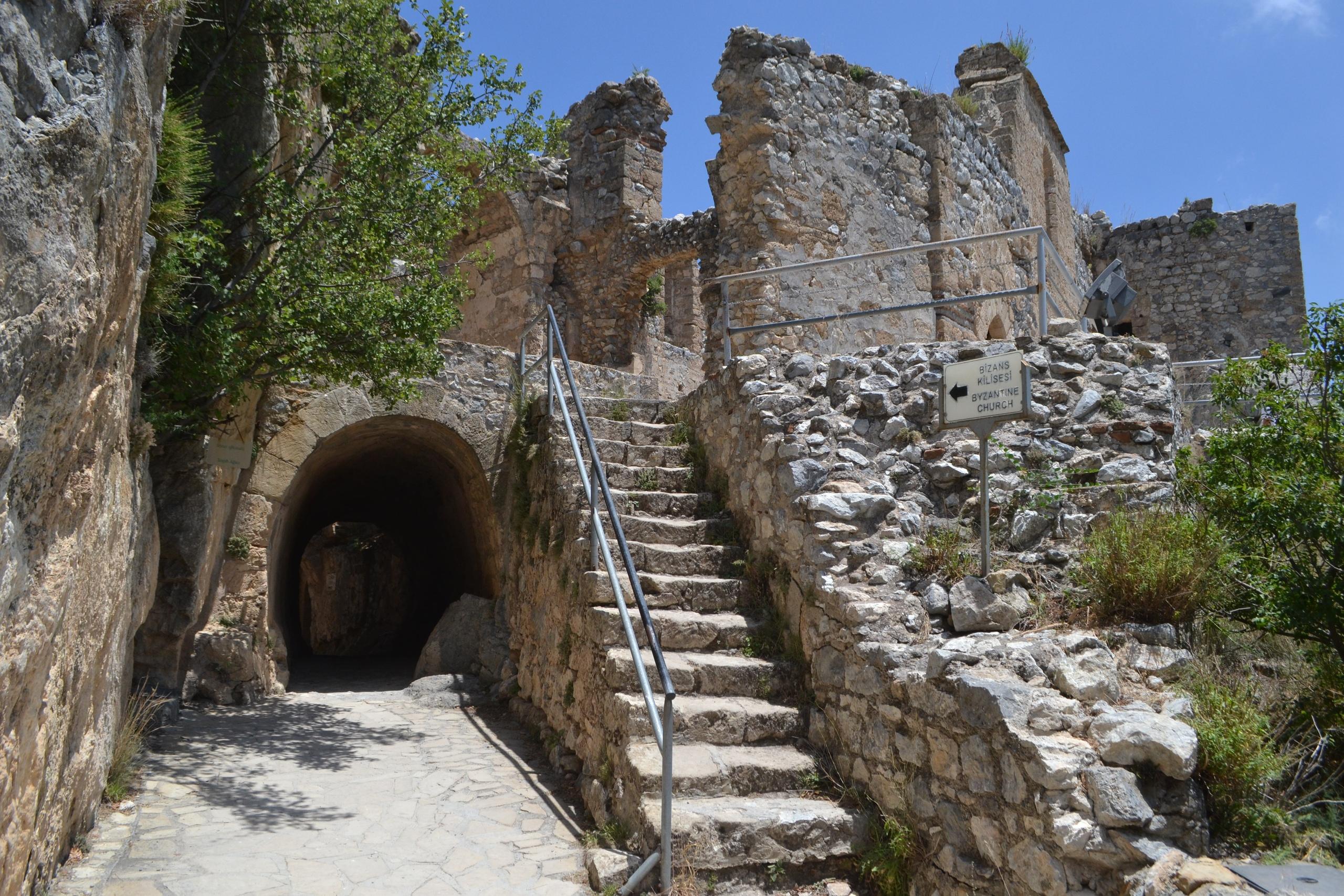 Северный Кипр. Замок Святого Иллариона. (фото). IYrm0uaMTMs