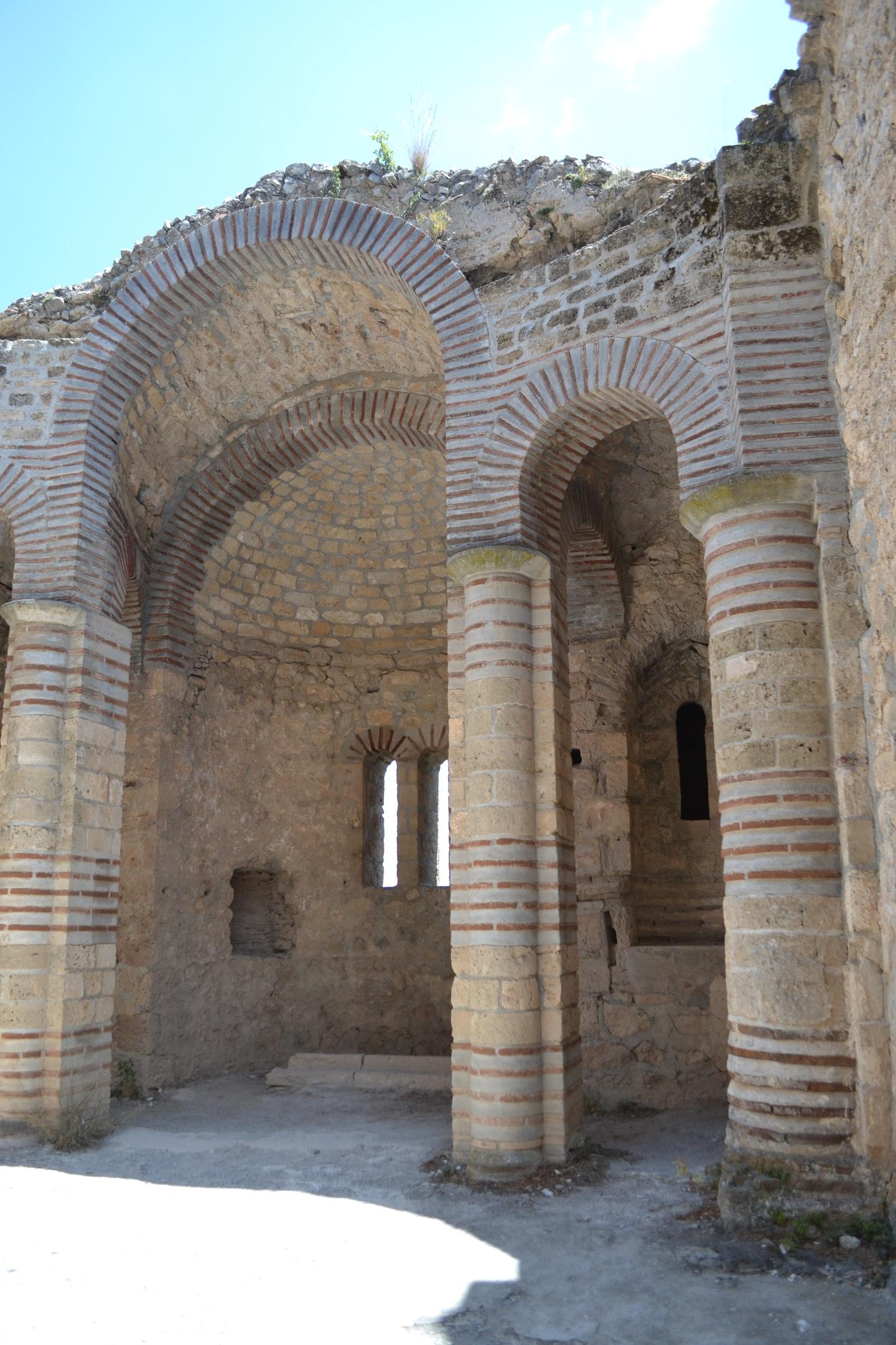 Северный Кипр. Замок Святого Иллариона. (фото). - Страница 2 51flWvwq1Oo