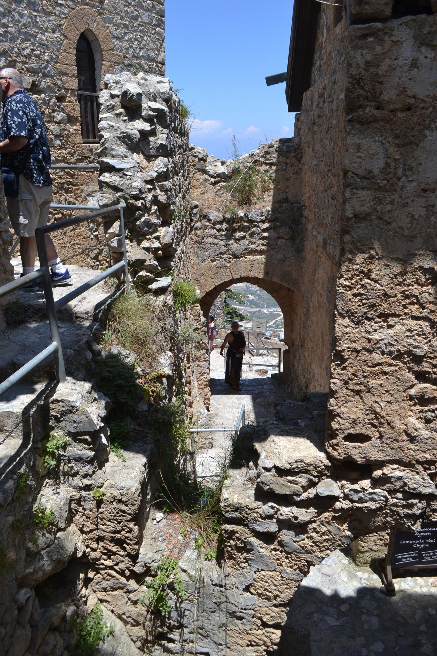 Северный Кипр. Замок Святого Иллариона. (фото). - Страница 2 IgHi1fZE7hI