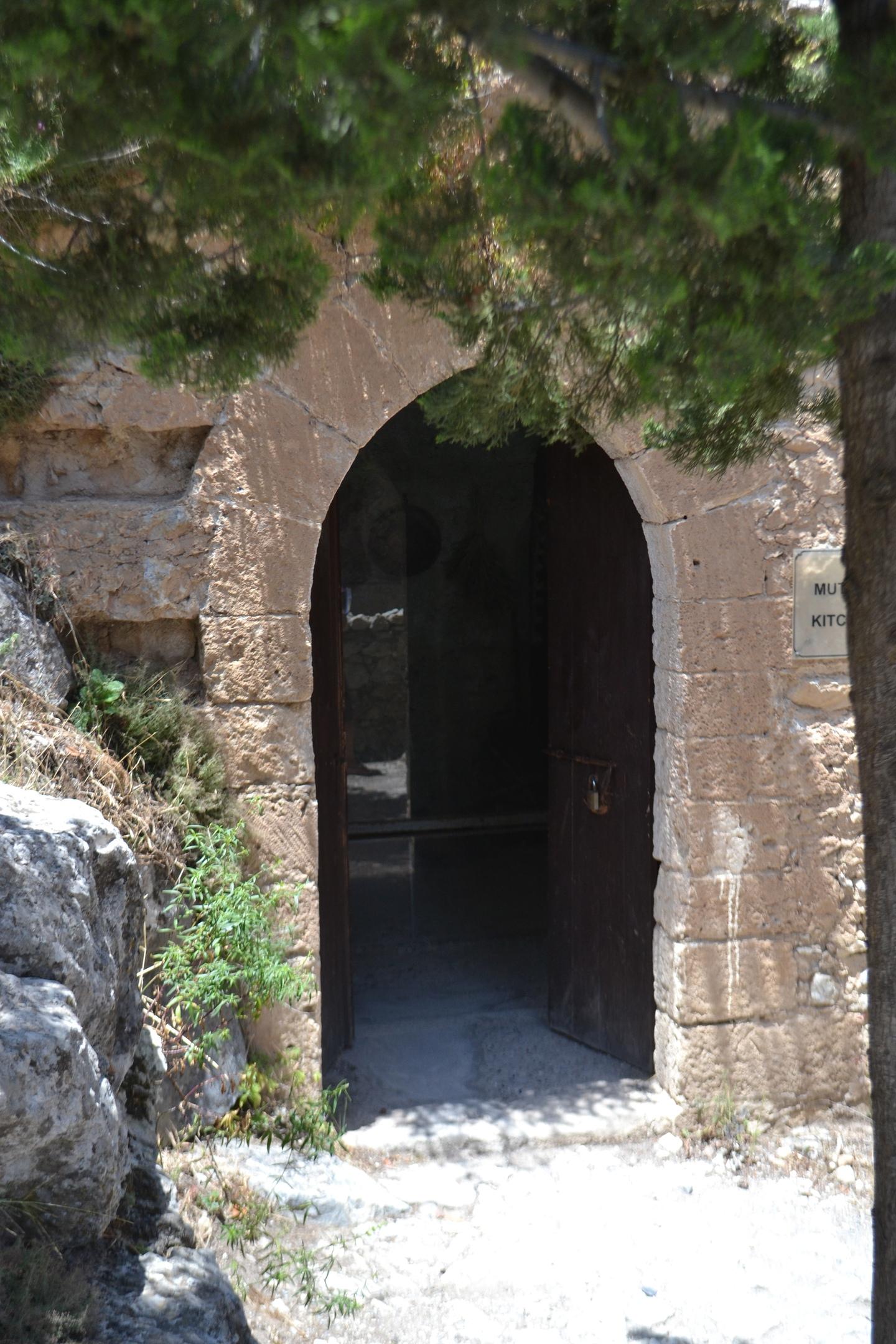 Северный Кипр. Замок Святого Иллариона. (фото). - Страница 2 JUDk7DZW2ZM