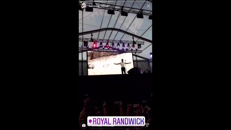 VIDEO Liam chantant History au TheEverest aujourd'hui à Sydney 13 10 via colinlong IG