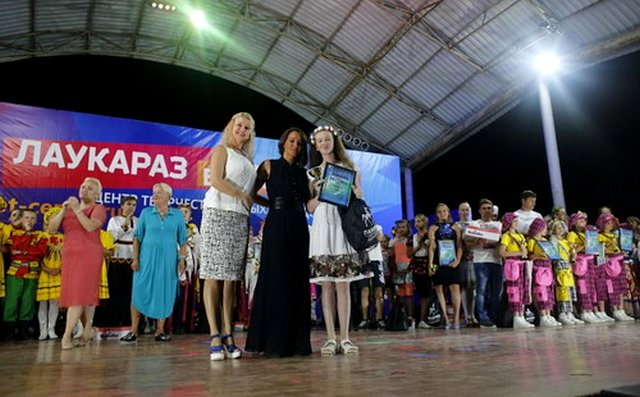 Солистка народного ансамбля песни и танца «Сибирь» победила во Всероссийском конкурсе