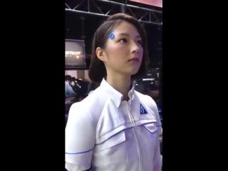 Согласен: есть и минусы. Но плюсов больше :) Робот-андроид на выставке Tokyo Game Show 2017