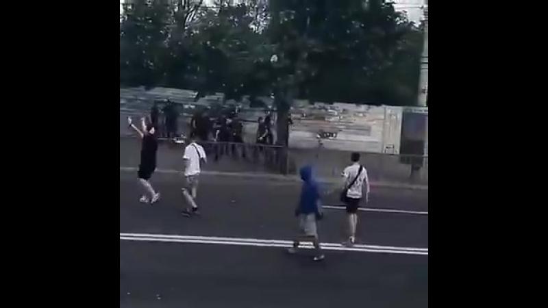 Ультрас в Днепропетровске обратили полицейских в бегство