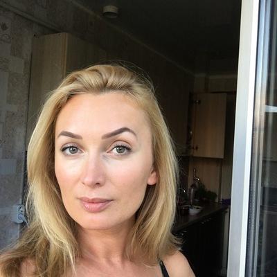 Яна Бадалова