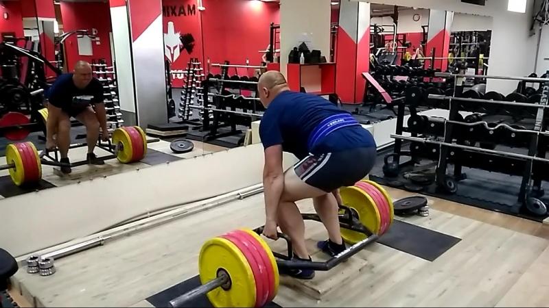 Иван Урлов тяга 230 .
