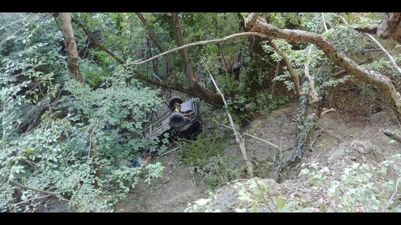 В Крыму при падении джипа с обрыва погибло три человека