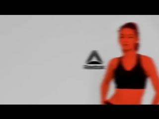 Vídeo da Gigi Hadid para campanha PureMoveBra da Reebok.