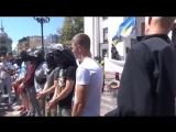 Слуги Укро-народа под голубым куполом. Позорище.