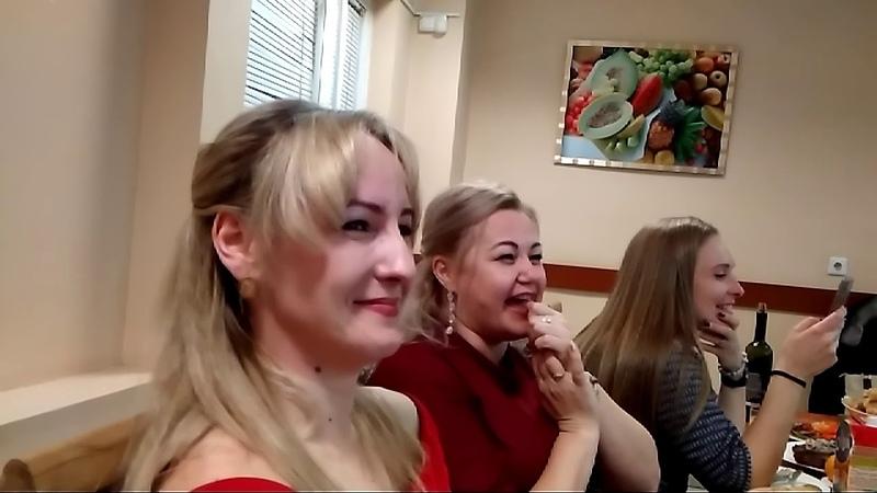 Депутаты Нестеренко и Лиджиева переоделись в деда Мороза и Снегурочку