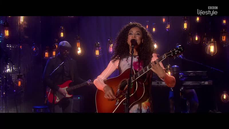 Corinne Bailey Rae - Stop Where You Are (The Graham Norton Show 19-10 - 2016-05-27)