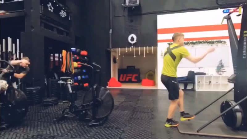 CrossFit VS street fight