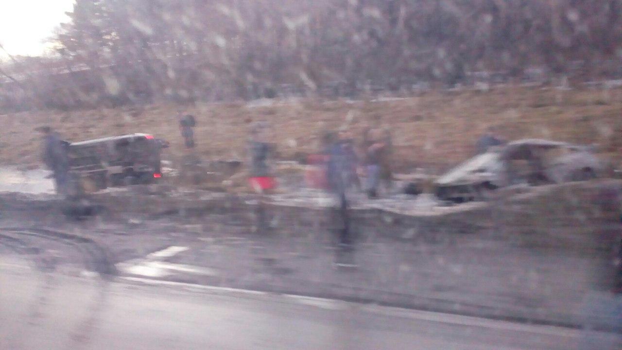 dMPLexS0rJY - На трассе Гурьевск Белово, недалеко от третьего микрорайона, произошла авария,
