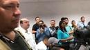 Bolsonaro falando sobre os debates na coletiva de imprensa.
