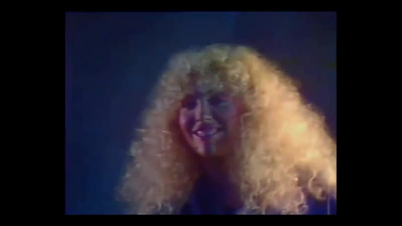 Clio - Eyes ( live in a French show filmed in the nightclub Barbarella in November 10, 1984 )