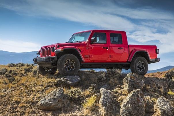Россиянам предложат «Гладиатора» от марки Jeep. Похоже, что дебютировавший в Лос-Анджелесе рамный пикап доберется и до нашей страны.В частности, в беседе представители марки не стали отрицать