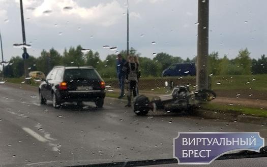 """На """"варшавке"""" произошло ДТП с участием мотоциклиста"""