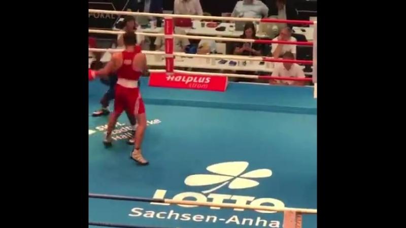 Американский боксёр-любитель Кишон Дэвис