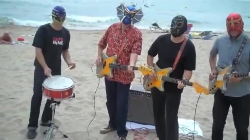 Los Straitjackets on the beach in Spain--High Rockabilly Festival 2011!