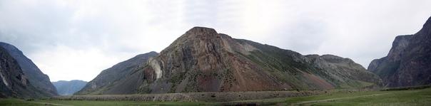 Днём посмотрел на гору, просто красиво