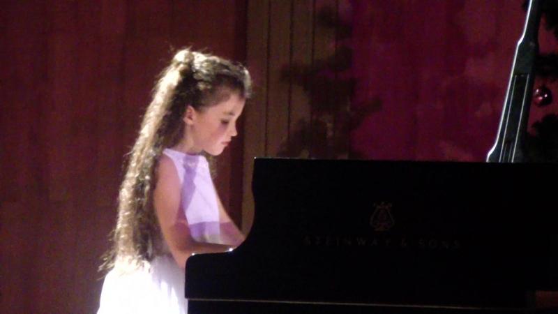 Даша Тюлеманова (участница концерта Вера, Надежда, Любовь и Музыка) с оркестром И.М.Лермана