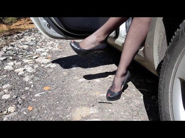 Sexy girl playing with italian high heels, shoeplay, heels dangling, high heels walking (scene 27)
