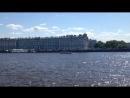 Вид со Стрелки Васильевского острова на Эрмитаж и Неву. Петербург 20 мая 2018.