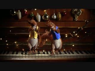 Новый год близко. Белки атакуют Первый канал. «Пианино»