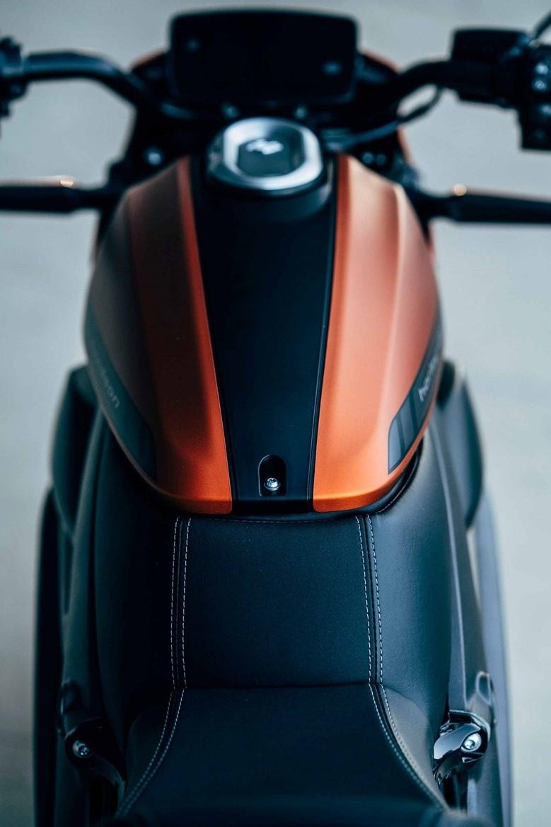 Производственная версия электроцикла Harley-Davidson LiveWire (фото)