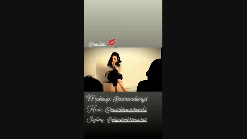 Outro vídeo dos bastidores do ensaio da Revlon compartilhando por Gal Gadot em seu instagram stories.