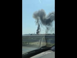Gigantesque explosion près de l'aéroport de Bologne. Ca serait l'explosion d'un camion-citerne.