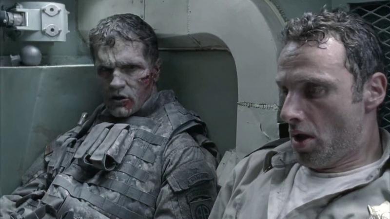 Рик убивает зомбированного военного