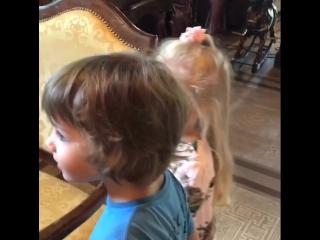 Лизе и Гарри 5 лет