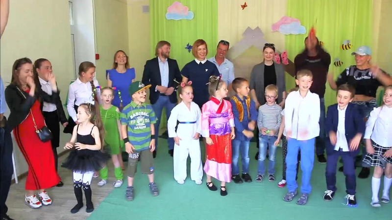 В завершении учебного года постановка на английском Little House in the Wood. TatarinovichVitali TatarinovichVitali_Выпукные