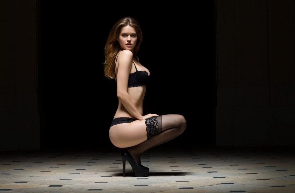 Lauren lee smith sex scenes