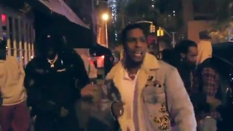 A$AP Rocky и Skepta исполняют трек Praise The Lord Da Shine на улице