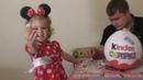 Маша и медведь, открываем большой киндер сюрприз с подарками из любимого мультфильма.Видео для детей