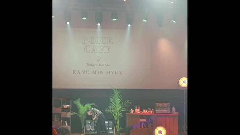 180624 CNBLUE SPECIAL FANMEETING BOICE CAFE KMH CAFE ~ fancam 5