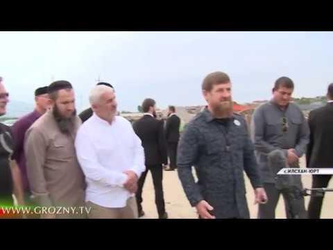 Рамзан Кадыров посетил стройплощадку селения Илсхан-Юрт
