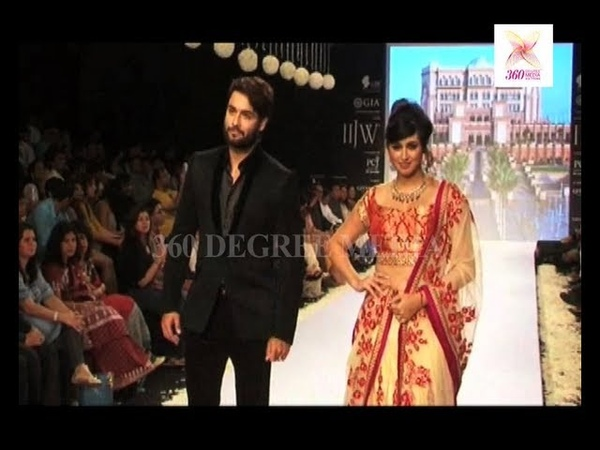 Vivian Dsena and Vahbbiz ramp walk and more Star for Geetanjali Shashi Rajan's Beti Show IIJW 2013