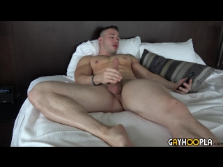 [gay hoopla] hot muscle stud dom knight works out and jerks off