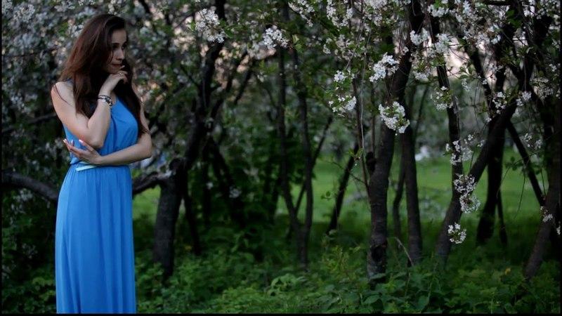 Фотосесия в цветущих садах в парке Коломенское