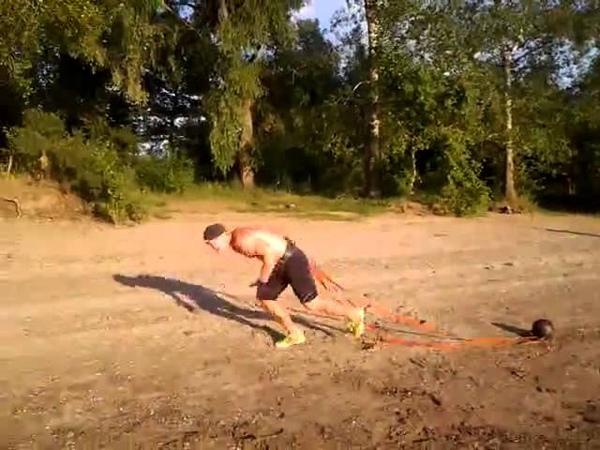 Спринт на пляже с гирей 16 кг