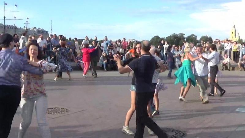 Ковбойский танец Бальные танцы 05 08 2018 г на Стрелке В О вид 916